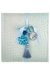 παιδικό άλμπουμ φωτογραφιών, από γυαλιστερή δερματίνη κροκό σε σιέλ χρώμα διακοσμημένο με murano και επάργυρο διακοσμητικό καροτσάκι / 2ΑΛ0064 logo