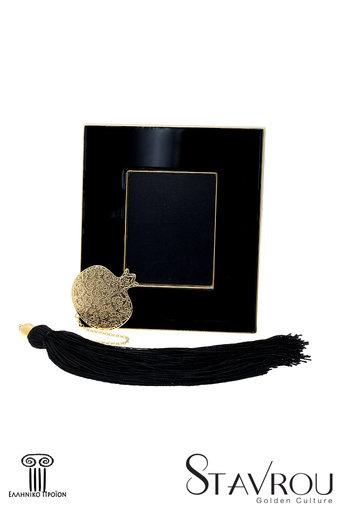 κορνίζα φωτογραφίας, από ορείχαλκο με μαύρο σμάλτο, με διακοσμητικό ρόδι με αλυσίδα και φούντα / 2ΚΟ0500 logo